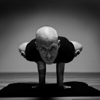 Olav Aarts Hatha Yoga Mayurasana